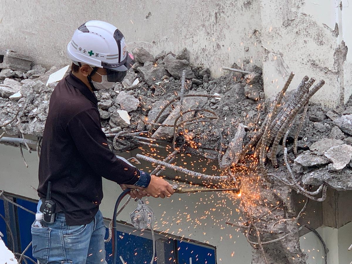 那覇市 商業施設の解体作業