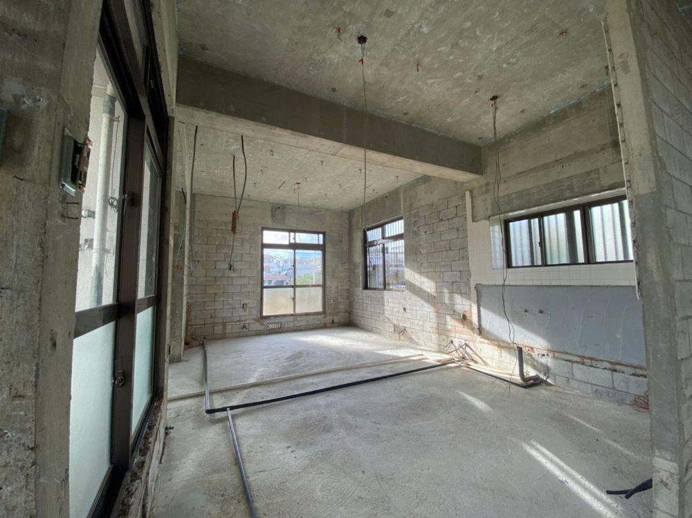 八重瀬解体 住居内部解体