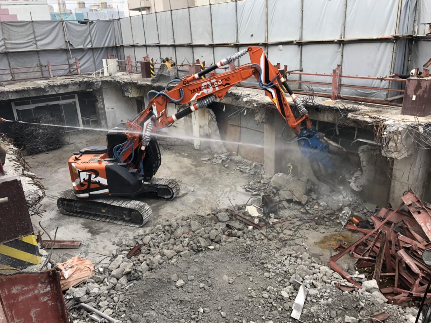 那覇市でのビルの解体工事